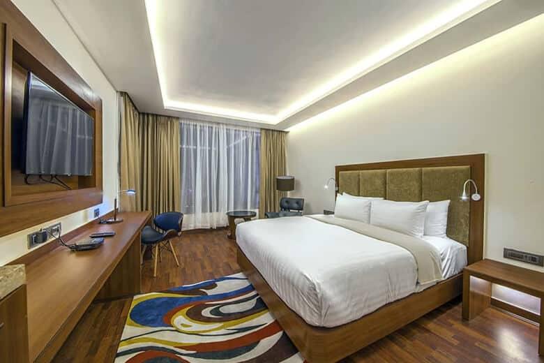 Executive Room 02
